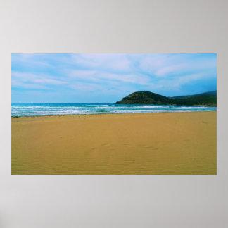 島および海ポスターが付いている砂浜 ポスター