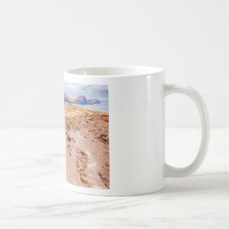 島の石とのMoonscapeの月の景色 コーヒーマグカップ