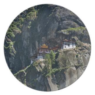 崖のTaktsang修道院、Paro、ブータン プレート