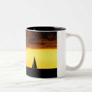 嵐の上昇 ツートーンマグカップ