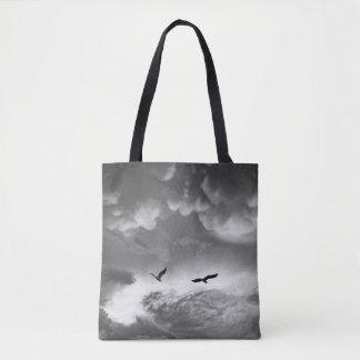 嵐の後の黒く及び白い素晴らしい青鷲 トートバッグ