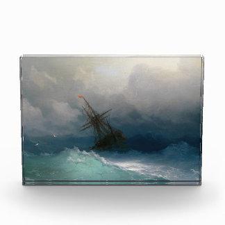 嵐の海のイヴァンAivazovskyの海景の嵐で出荷して下さい 表彰盾