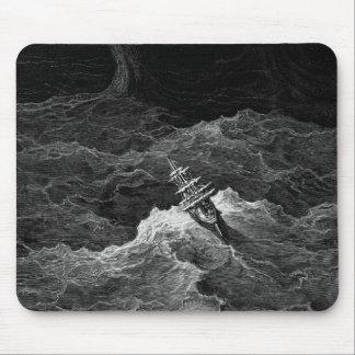 嵐の海の船 マウスパッド