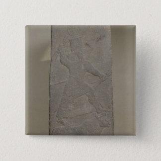 嵐神Adadを描写する石碑 5.1cm 正方形バッジ