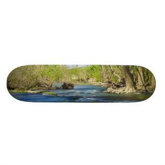 川で平和 スケートボード