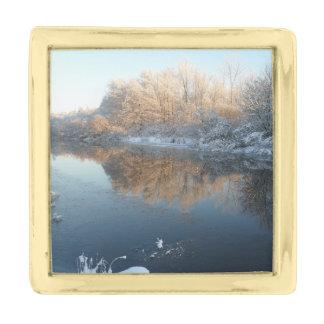 川による冬 ゴールド ラペルピン