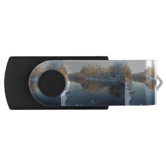 川による冬 USBフラッシュドライブ