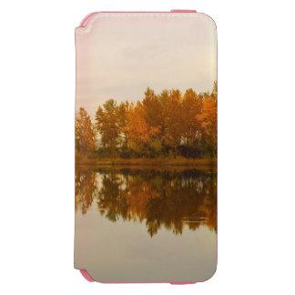 川による秋の森林 INCIPIO WATSON™ iPhone 6 財布ケース