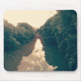 川の写真が付いているマウスパッド マウスパッド