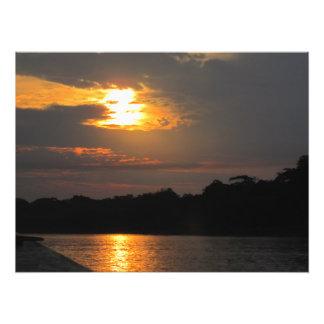 川の写真のプリント上の日没 フォトプリント