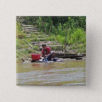 川の洗濯日 5.1CM 正方形バッジ