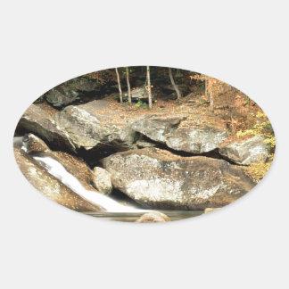 川の穂先の滝Windham郡ヴァーモント 楕円形シール