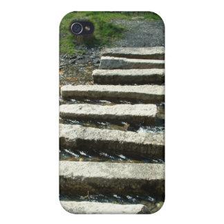 川を渡る花こう岩の飛石 iPhone 4/4S CASE