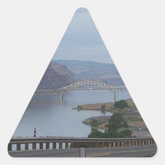 川上の橋 三角形シール