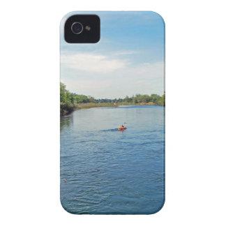 """""""川""""のの下で先頭に立ちますコレクション Case-Mate iPhone 4 ケース"""