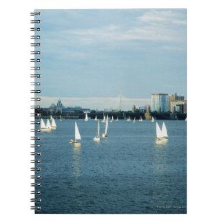 川、チャールズ川、ボストン、2のヨット ノートブック