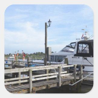 川Blythのモーターボート スクエアシール