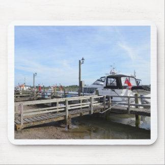 川Blythのモーターボート マウスパッド
