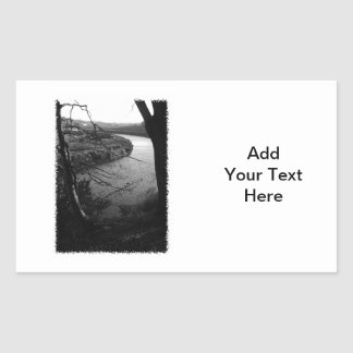 川Taw。 白黒。 長方形シール