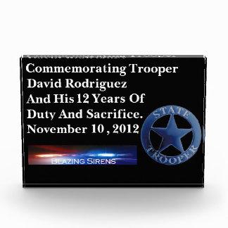 州警察官のカスタマイズ可能なアクリルの義務賞 表彰盾