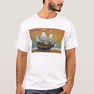巡礼者のホールの意見のMayflowerのモデル Tシャツ