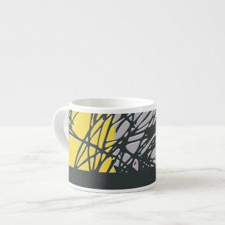 巣の、黄色および灰色のエスプレッソのマグ エスプレッソカップ