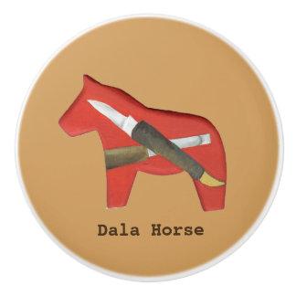 左の表面仕上げのDalaの馬の彫り師の陶磁器のノブ セラミックノブ