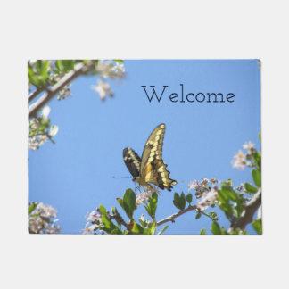 巨大なアゲハチョウの蝶 ドアマット