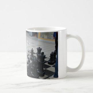 巨大なチェス盤 コーヒーマグカップ