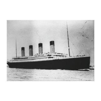 巨大な乗客はさみ金の汽船RMS キャンバスプリント