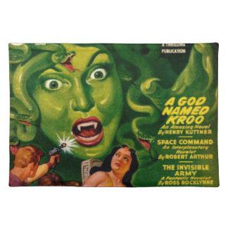 巨大な緑ヘビの女性 ランチョンマット
