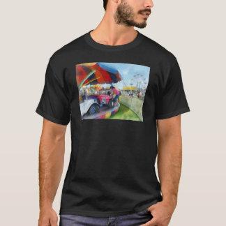 市の車の乗車 Tシャツ