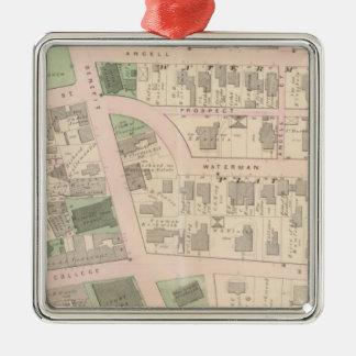市場が開かれる広場のブラウン大学のコート・ハウス シルバーカラー正方形オーナメント