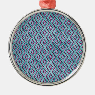 市松模様になるかわいいピンクおよび青いアズテック人は縞で飾ります メタルオーナメント