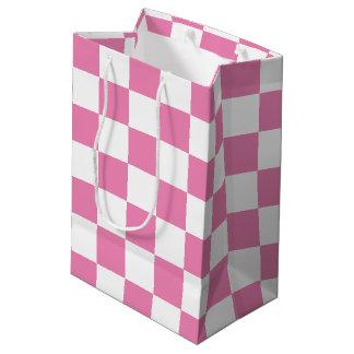 市松模様になるピンク ミディアムペーパーバッグ
