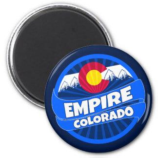 帝国コロラド州の旗は磁石のあたりで破烈しました マグネット