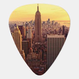 帝国国家が付いているニューヨークのスカイライン都市 ギターピック