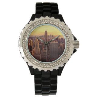 帝国国家が付いているニューヨークのスカイライン都市 腕時計