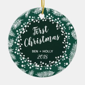 常緑の名前入り結婚する初めてのクリスマス セラミックオーナメント