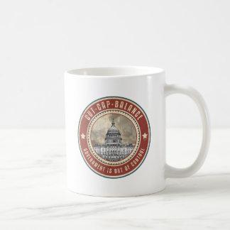 帽子およびバランスを切って下さい コーヒーマグカップ