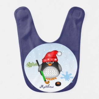 帽子および名前をカスタムするを用いるかわいいホッケーのペンギン ベビービブ