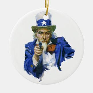帽子および銃を持つヴィンテージの愛国心が強い米国市民 セラミックオーナメント