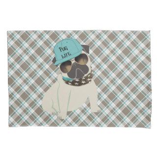 帽子のバンダナのパグの生命犬は格子縞を影で覆います 枕カバー