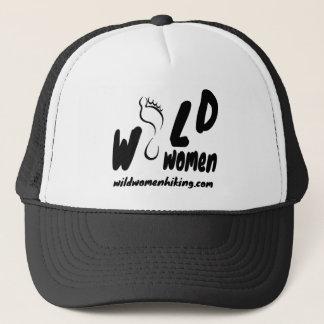 帽子をハイキングしている野生の女性 キャップ