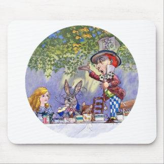 帽子屋のお茶会のアリス マウスパッド