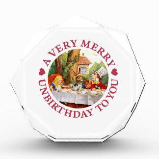 帽子屋はあなたにA非常にメリーなUnbirthdayを言います 表彰盾
