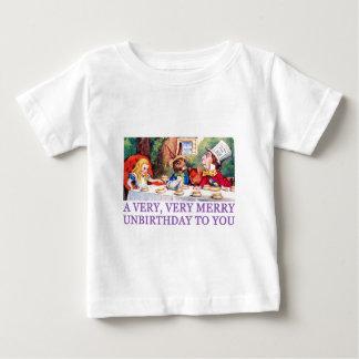 帽子屋はアリスにメリーなUNBIRTHDAYを望みます! ベビーTシャツ
