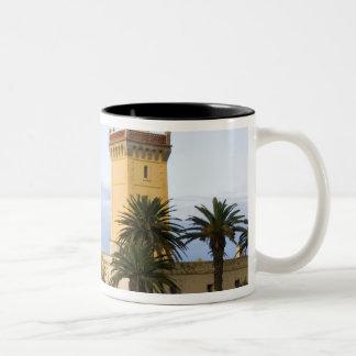 帽子Spartelのタンジールモロッコの灯台 ツートーンマグカップ