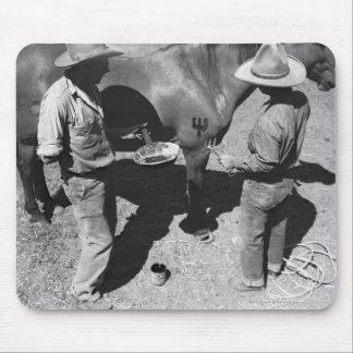 干し草用フォークのブランドのブランディングの馬 マウスパッド