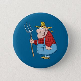 干し草用フォークを持つ農家 5.7CM 丸型バッジ